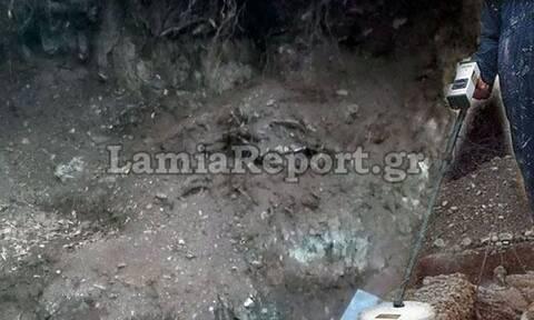 Φθιώτιδα: Τους έπιασαν με τους ανιχνευτές μετάλλων και τα τσαπιά να ψάχνουν αρχαία
