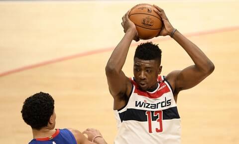 NBA: Απλά δεν υπάρχει - Παίκτης κάρφωσε στο καλάθι της ομάδας του (photos+video)
