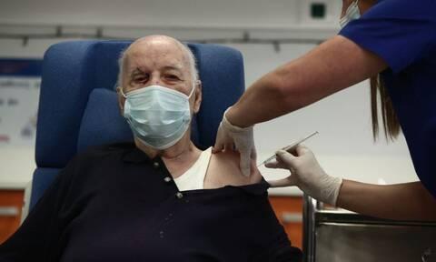 Μιχάλης Γιοβανίδης: Αυτός είναι ο 85χρονος που εμβολιάστηκε από τους πρώτους στην Ελλάδα