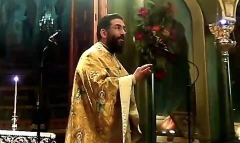 Έξαλλος ιερέας στην Καλαμάτα: Πέταξε έξω από τον ναό όσους δεν φορούσαν μάσκα