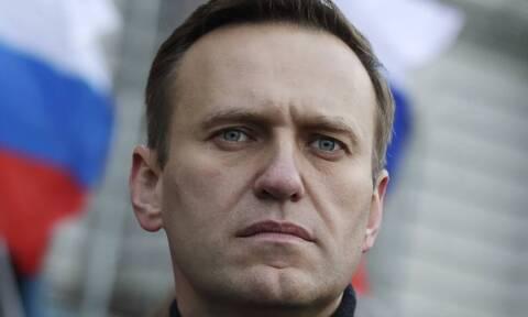 Ρωσία: Τελεσίγραφο στον Ναβάλνι να επιστρέψει αμέσως ή να βρεθεί αντιμέτωπος με τη φυλακή