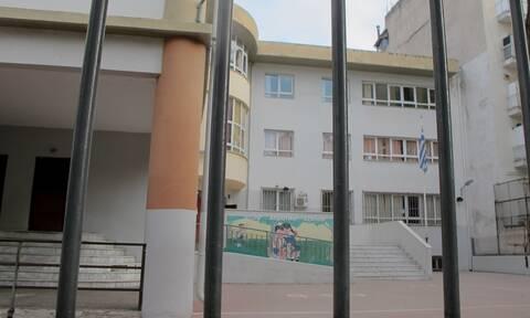 Άνοιγμα σχολείων: Σήμερα «κληρώνει» για την επαναλειτουργία τους - Κρίσιμες οι επόμενες ώρες