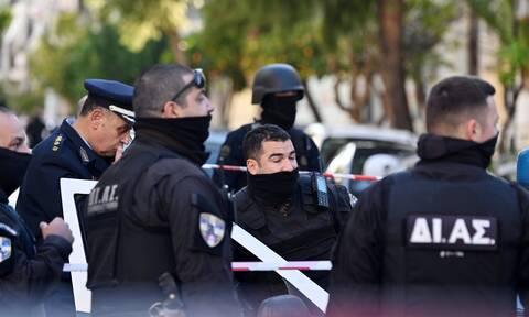 Συμβαίνει ΤΩΡΑ: Επιχείρηση της αστυνομίας στις φοιτητικές εστίες στου Ζωγράφου - 8 προσαγωγές (pics)
