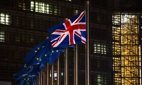 Brexit: Με 521 ψήφους υπέρ το βρετανικό κοινοβούλιο ενέκρινε την εμπορική συμφωνία με την ΕΕ