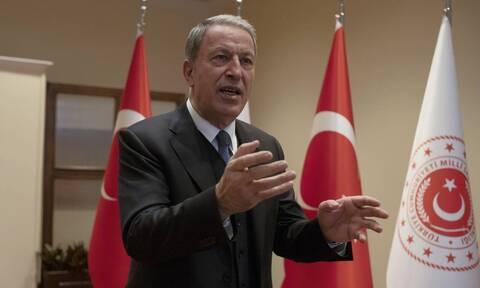Εμμονικοί και επικίνδυνοι Τούρκοι: «Να φύγει ο στρατός από 16 ελληνικά νησιά», ζητά ο Ακάρ