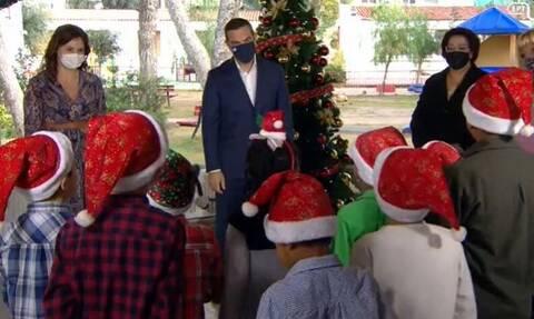 Αλέξης Τσίπρας: Άκουσε τα κάλαντα της Πρωτοχρονιάς από παιδιά του Πρότυπου Εθνικού Νηπιοτροφείου