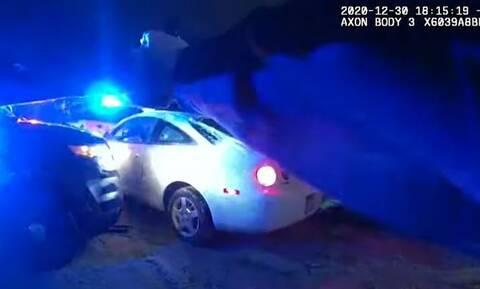 ΗΠΑ: Η στιγμή που αστυνομικοί «γαζώνουν» ύποπτο που προσπάθησε να διαφύγει στη Μινεάπολις