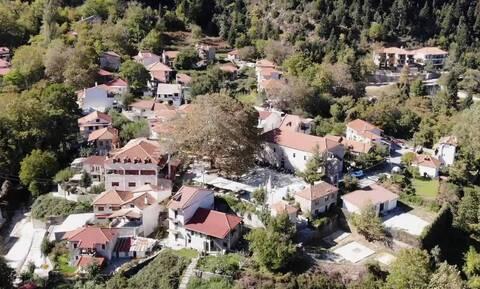 Μια «εκδρομή» στο πετρόχτιστο χωριό «Αθανάσιος Διάκος» (video)