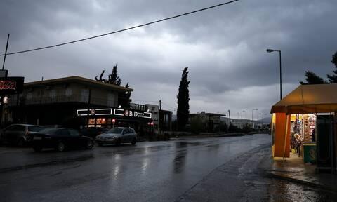 Καιρός: Κυριακή με βροχές και καταιγίδες - Έντονα φαινόμενα σε αρκετές περιοχές