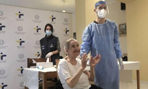 Εμβολιασμός: Ξεκίνησε στα νοσοκομεία της Περιφέρειας και σε Μονάδες Φροντίδας Ηλικιωμένων