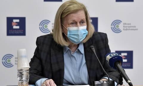 Θεοδωρίδου: Χρονικός ο συσχετισμός της λοίμωξης του αναπληρωτή διοικητή του Θριάσιου με το εμβόλιο