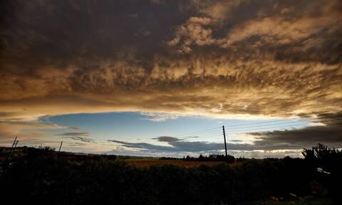 Καιρός: Υποχωρούν τα έντονα φαινόμενα - Πού θα σημειωθούν καταιγίδες τις επόμενες ώρες
