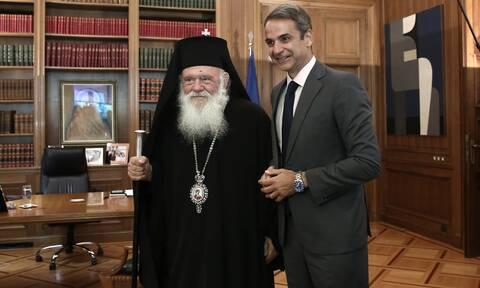 «Ρήγμα» για τα Θεοφάνεια: «Ήξεις αφήξεις» για την παρουσία του Αρχιεπισκόπου στην ορκωμοσία