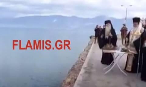 Θεοφάνεια: Πρόστιμα και εισαγγελέας για τον Αγιασμό στο Αίγιο