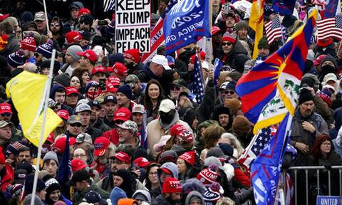Πλήθη υποστηρικτών του Ντόναλντ Τραμπ στην Ουάσιγκτον: «Έκλεψαν τις εκλογές»