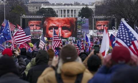 Το Twitter μπλόκαρε για 12 ώρες το λογαριασμό του Ντόναλντ Τραμπ - Απειλεί να τον «κλείσει»