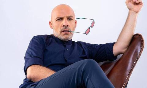 Νίκος Μουτσινάς: Δείτε πρώτη φορά το σπίτι του και θα ξετρελαθείτε!