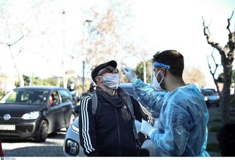 Κρούσματα σήμερα: «Βράζει» η Αττική - Τριπλάσια από τη Θεσσαλονίκη - Η κατανομή των νέων μολύνσεων