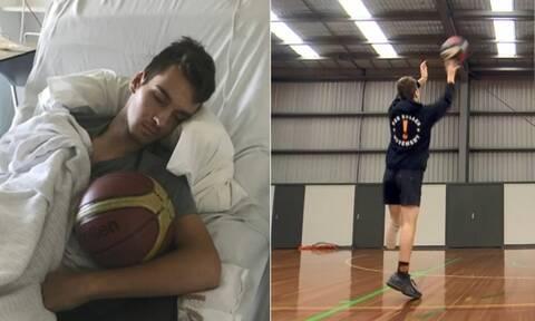 Συγκινεί νεαρός που ακρωτηριάστηκε – Έπαιξε μπάσκετ ένα μήνα μετά το ατύχημα (video)