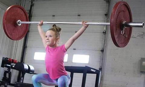 Το πιο δυνατό κορίτσι στον κόσμο: Εφτάχρονη σηκώνει 80 κιλά και ονειρεύεται Ολυμπιακούς Αγώνες!