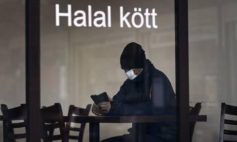 Το πήρε απόφαση η Σουηδία: Αυστηροποιεί τα μέτρα για τον κορονοϊό