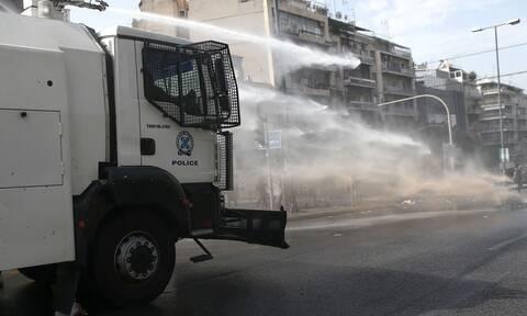 Νέο δόγμα για τις διαδηλώσεις: Νερό αντί για χημικά - Οι αύρες στο προσκήνιο