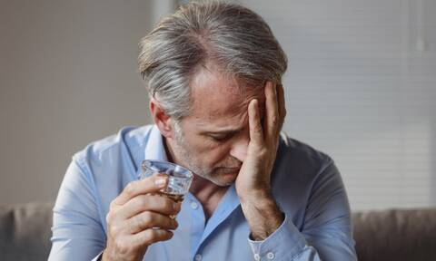Έρευνα: Αυτό είναι το ποτό που σου προκαλεί τον περισσότερο πονοκέφαλο