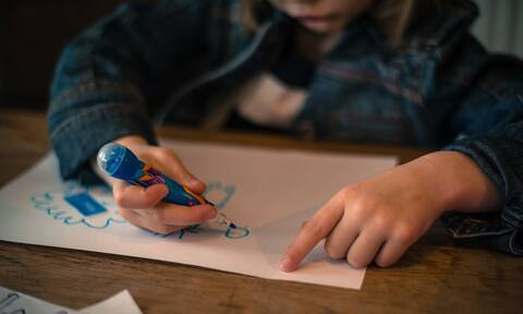 Η ζωγραφιά ενός 7χρονου αγοριού εν μέσω καραντίνας που έγινε viral
