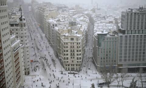 Ισπανία: Τρεις οι νεκροί από τη χιονοθύελλα - Σε «κόκκινο συναγερμό» 5 περιφέρειες της χώρας