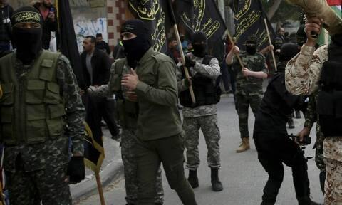 Συρία: Επτά φιλοκυβερνητικοί παραστρατιωτικοί σκοτώθηκαν σε επιθέσεις του ΙΚ