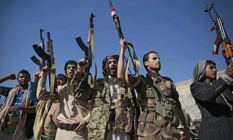 Οι ΗΠΑ θα εντάξουν τους Χούτι της Υεμένης στον κατάλογο των τρομοκρατικών οργανώσεων