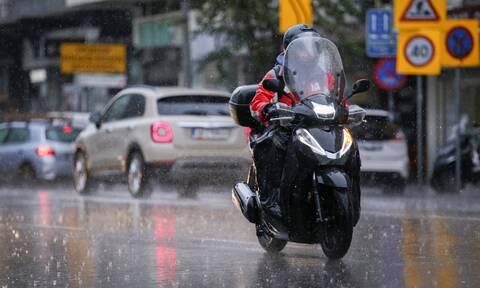 Καιρός -  Αλλάζει το σκηνικό: Έρχονται καταιγίδες - Πού θα είναι ισχυρότερα τα φαινόμενα