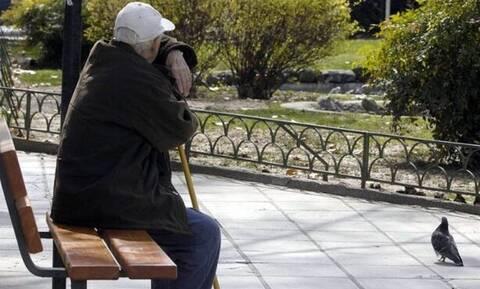 Μπράβο παππούλη! 90χρονος Κρητικός προσφέρει μαθήματα ζωής στο Πανεπιστήμιο