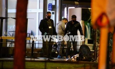 Μακελειό στη Νέα Σμύρνη: Ένας νεκρός και τρεις τραυματίες - Πατέρας έφαγε σφαίρες για τον γιο του