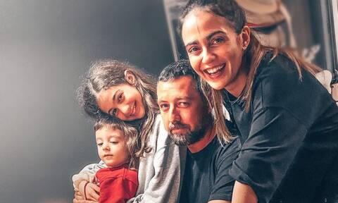 Δαλιάνη-Παπαγιάννης: Σαν δεντρόσπιτο το νέο κρεβάτι του γιου τους - Δείτε φώτο