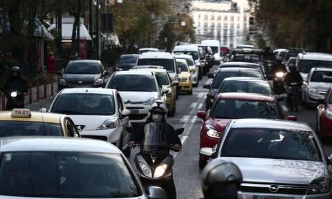 Κίνηση ΤΩΡΑ: Μποτιλιάρισμα στους δρόμους της Αθήνας - Ποιους να αποφύγετε