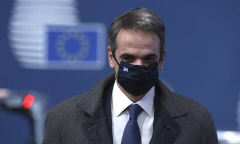 Politico: Πιστοποιητικό εμβολιασμού προτείνει ο Κυριάκος Μητσοτάκης στην ΕΕ
