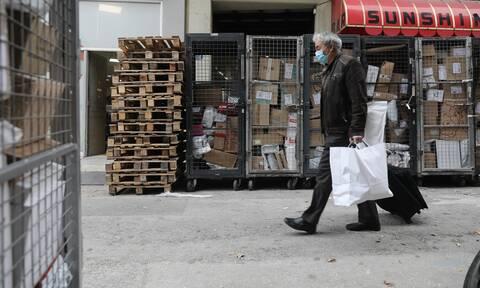 Lockdown: Ποιες περιοχές «αγγίζουν» τα σκληρότερα μέτρα – Η αγωνία της αγοράς για τη Δευτέρα