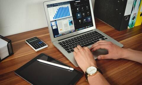 Voucher 200 ευρώ για laptop και tablet: Θέμα χρόνου οι αιτήσεις - Ποιοι είναι οι δικαιούχοι