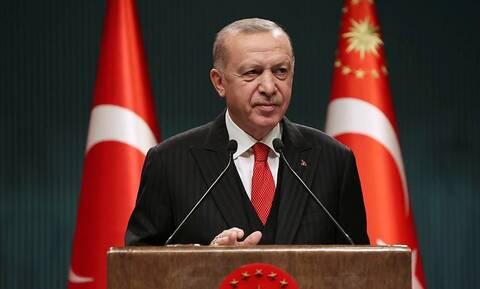 Ερντογάν: Βάζει στo στόχαστρο 12χρονα παιδιά