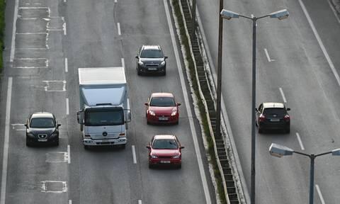 Κατάθεση πινακίδων: Πάνω από 25.000 οι αιτήσεις για ψηφιακή ακινησία οχημάτων