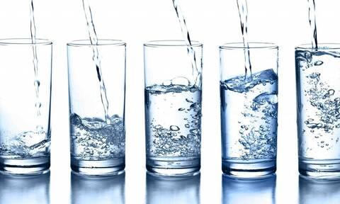Πόσο νερό πίνεις κάθε μέρα; Δες πόσο