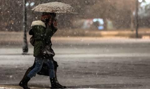 Κακοκαιρία «Λέανδρος»: Ξεκίνησε η επέλαση του χιονιά – Έρχονται «λευκές μέρες» και ψύχος στην Αττική