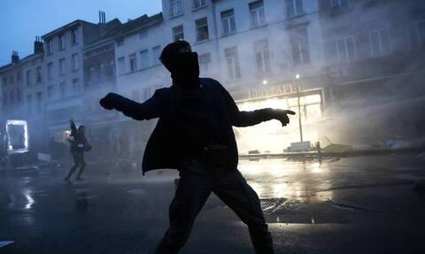 Βρυξέλλες: Επεισόδια μετά τον θάνατο 23χρονου κατά τη σύλληψή του (pics & vids)