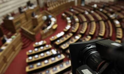ΑΣΕΠ: Ψηφίστηκε το νομοσχέδιο που αναμορφώνει το σύστημα προσλήψεων στο Δημόσιο