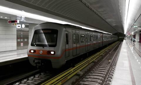 Ξυλοδαρμός σταθμάρχη στο Μετρό: Οργισμένη ανακοίνωση του υπουργείου Προστασίας του Πολίτη