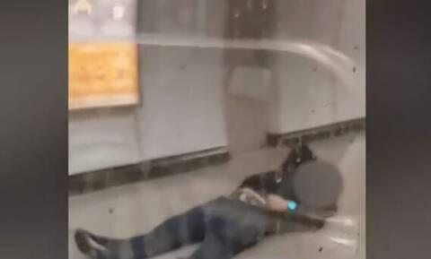 Αποτροπιασμός για τον ξυλοδαρμό του σταθμάρχη: Έχει σπασμένα πλευρά - Το βίντεο ντοκουμέντο