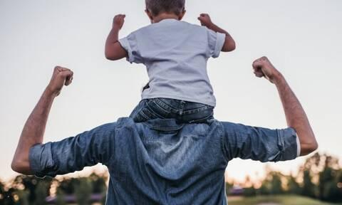 Ενεργοί μπαμπάδες: Αγωνία για το νομοσχέδιο της συνεπιμέλειας