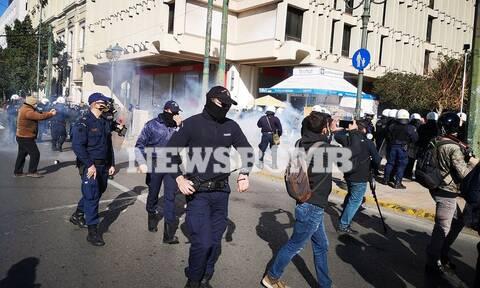 Ένταση στο φοιτητικό συλλαλητήριο - Ρίψη χημικών από την ΕΛΑΣ