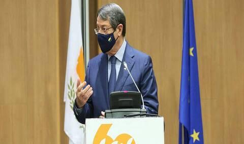 Αναστασιάδης: Εισηγήθηκε στους πολιτικούς αρχηγούς να τον συνοδεύσουν στην άτυπη Διάσκεψη